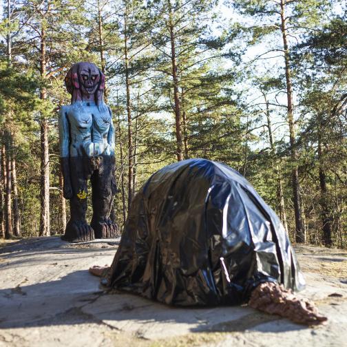 Huma Bhabha, We Come in pEACE, 2018, FOTO: Ekebergparken